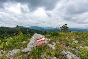 Stein,markierung,rot,wolken,berge,gipfel,kroatien