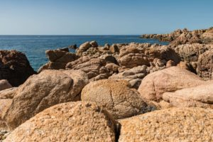 sardinien,kueste,meer,natur,landschaft,felsen,wasser,steine,felsen