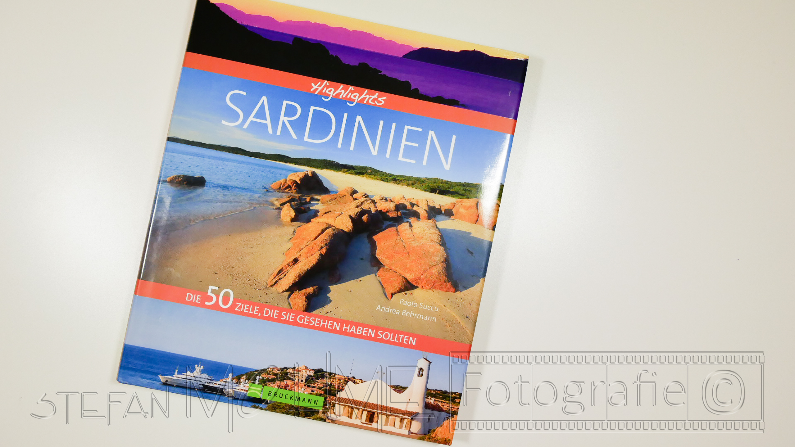 "Buchrezension; ""Highlights Sardinien ""."