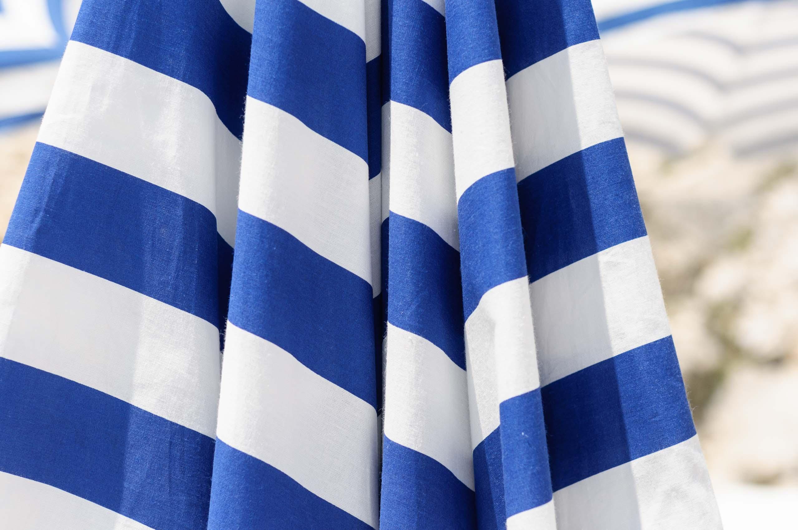 sonnenschirm,blau,weiß