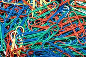 bunt,farbig,nahaufnahme,bueroklammern,rot,gruen,blau,makro,details,struktur