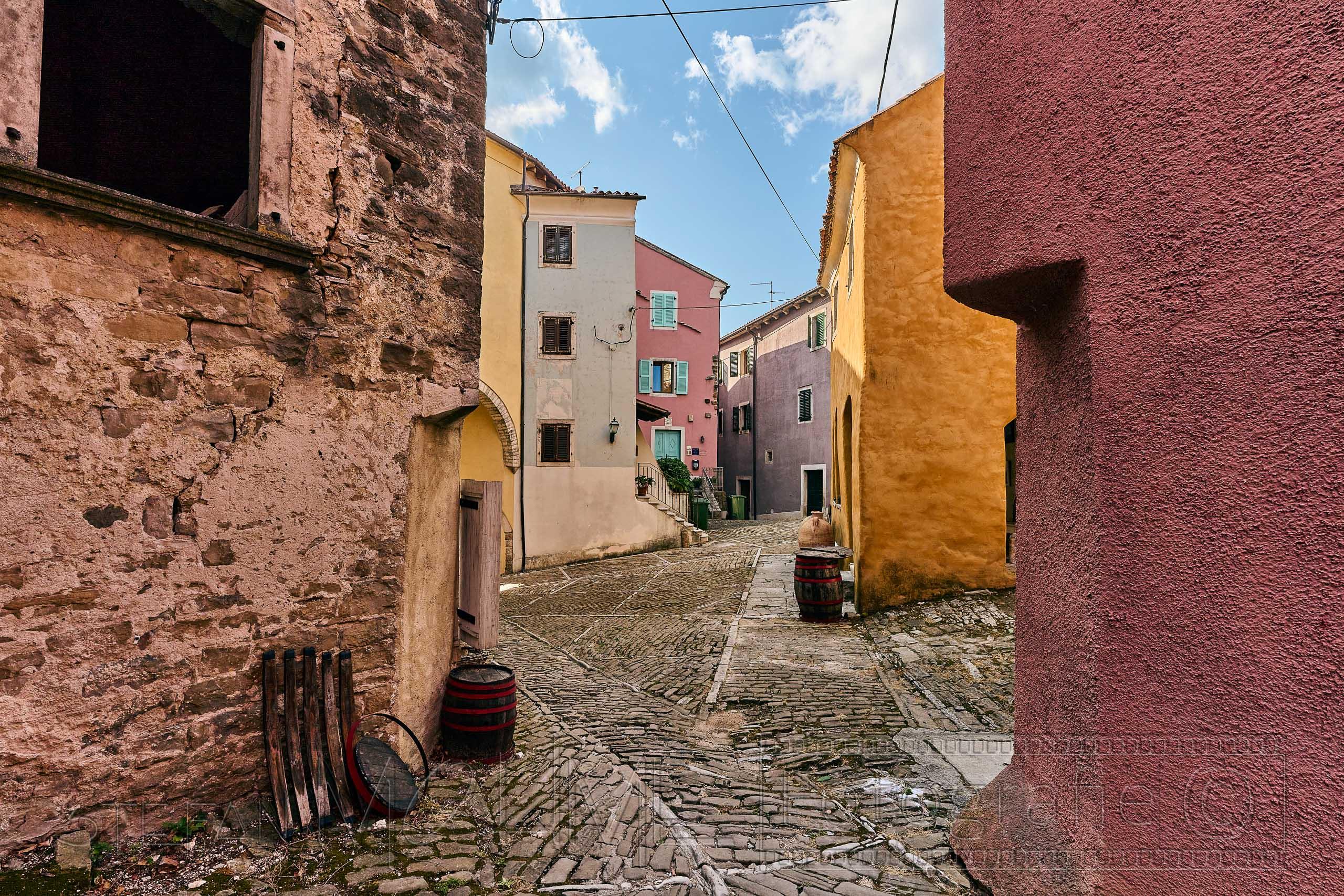 Kroatien, Istrien ,Altstadt ,bunt